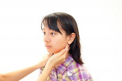 Černý kašel: příčiny, příznaky, diagnostika a léčba