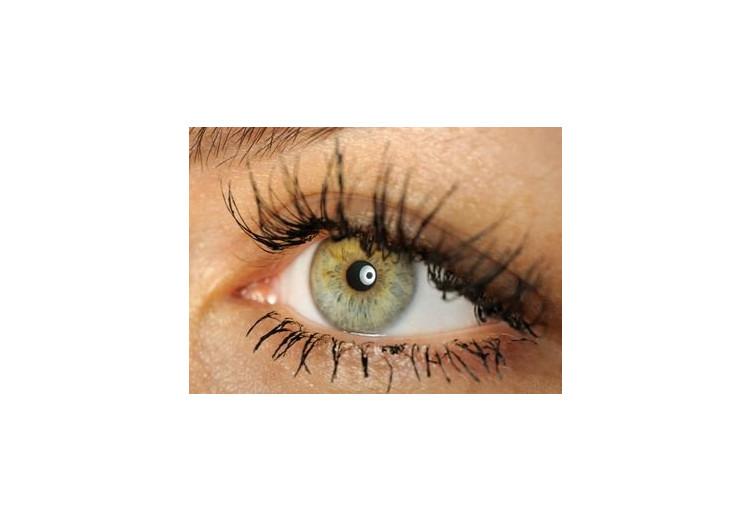 Syndróm suchého oka: príčiny, príznaky, diagnostika a liečba