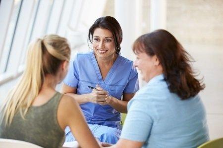 10 důvodů proč mít za partnerku zdravotní sestru je lepší než vyhrát v loterii