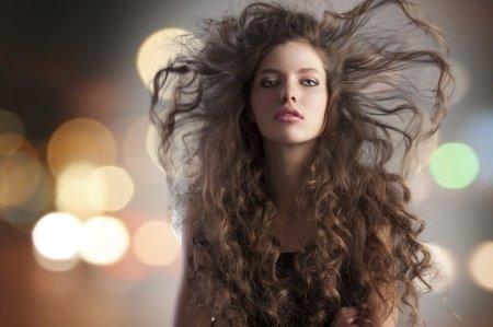 Jak zajistit rychlejší růst vlasů?