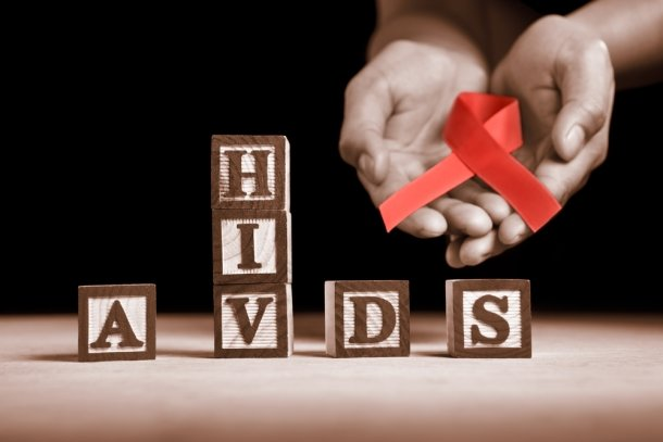 20 signs that you might be suffering from AIDS