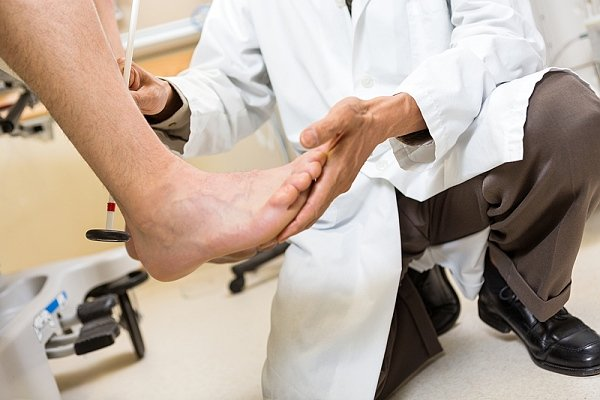 Achilles tendon injury: causes, symptoms, diagnosis, treatment and rehabilitation