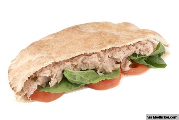 Tuňákový sendvič se špenátem