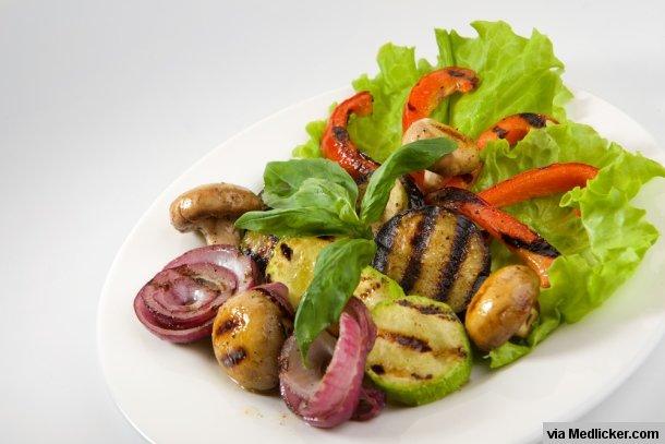 16 druhů ovoce a zeleniny, které si můžete připravit na grilu