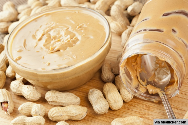 peanut-butter-in-glass-bowl-and-jar