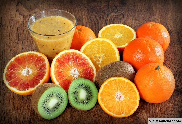Kiwis, oranges, pamplemouses - sources de la vitamine C
