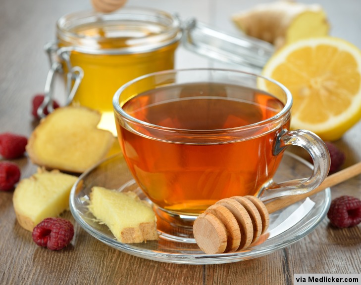 Thé de gingembre avec du miel