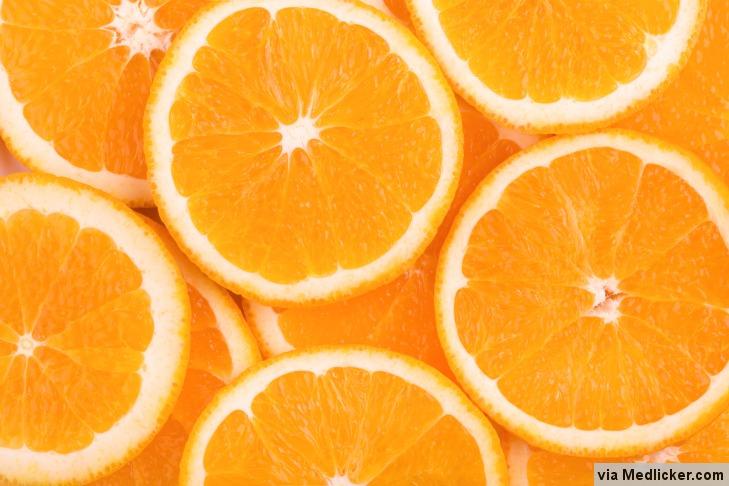 12 druhů ovoce a zeleniny, které mají více vitamínu C než pomeranče