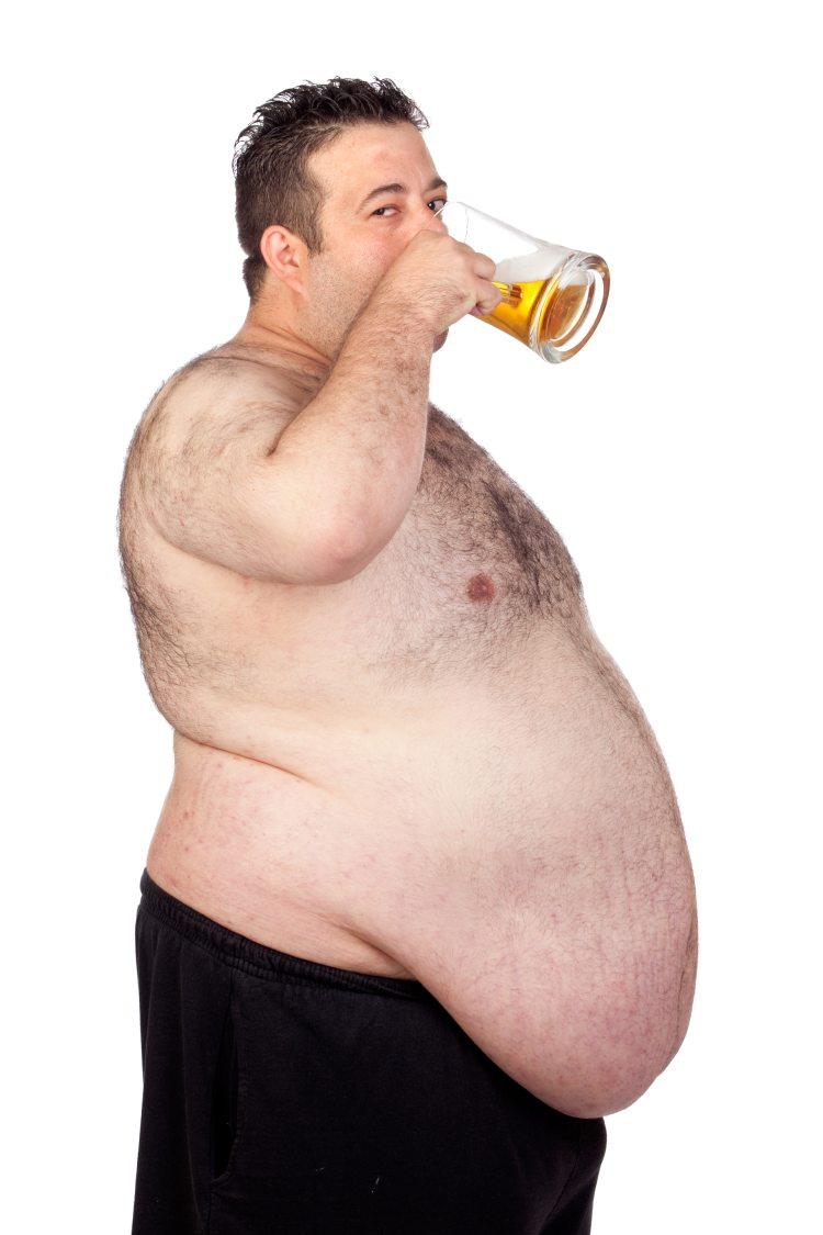 Pivo zvyšuje riziko abdominální obezity a přibývání na váze vůbec