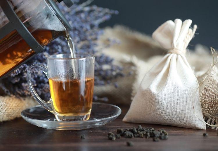 Pravidelné pití černého čaje zlepšuje zdraví trávicího traktu a střevního mikrobiomu
