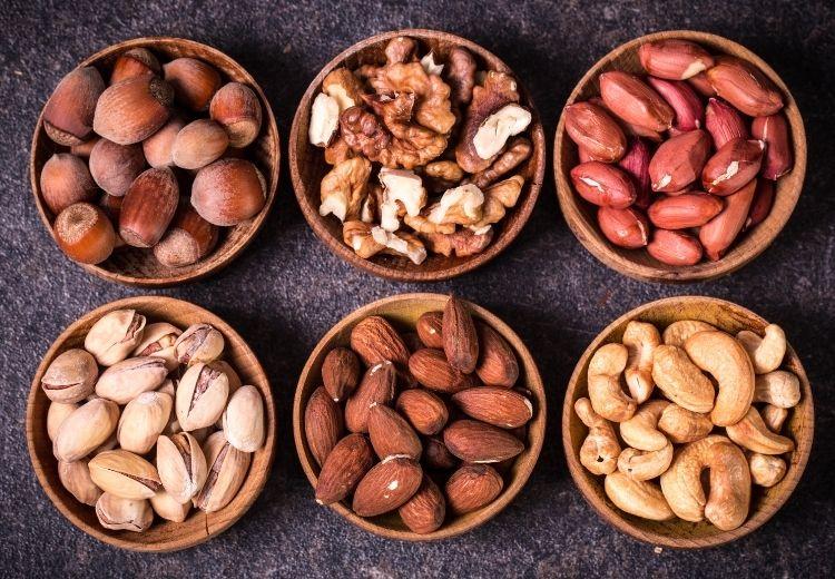 Skvelým zdrojom horčíka sú orechy