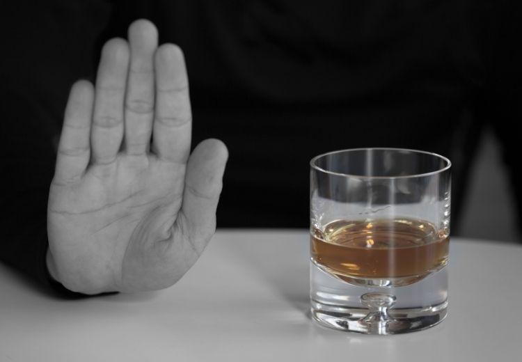 Omezení konzumace alkoholu pomáhá v prevenci onemocnění jater