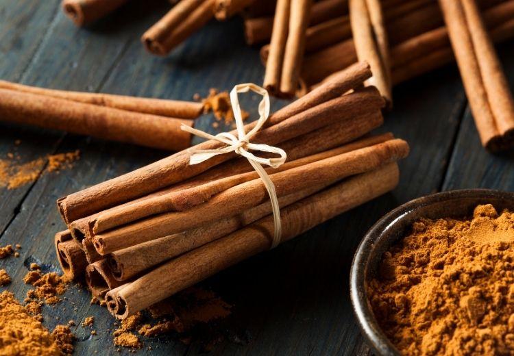 Skořice patří mezi nejlepší přírodní léky na podrážděný žaludek
