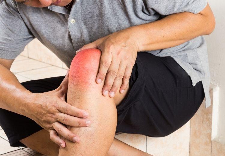 Častou příčinou bolesti kloubů jsou degenerativní a zánětlivá onemocnění kloubů nebo úrazy
