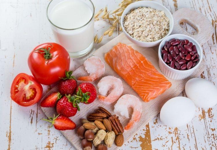 Alergie na některé potraviny se často projevují ranní bolestí břicha