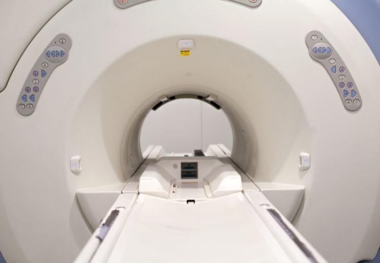 Magnetická rezonancia hrá v diagnostike bolestí kĺbov dôležitú úlohu