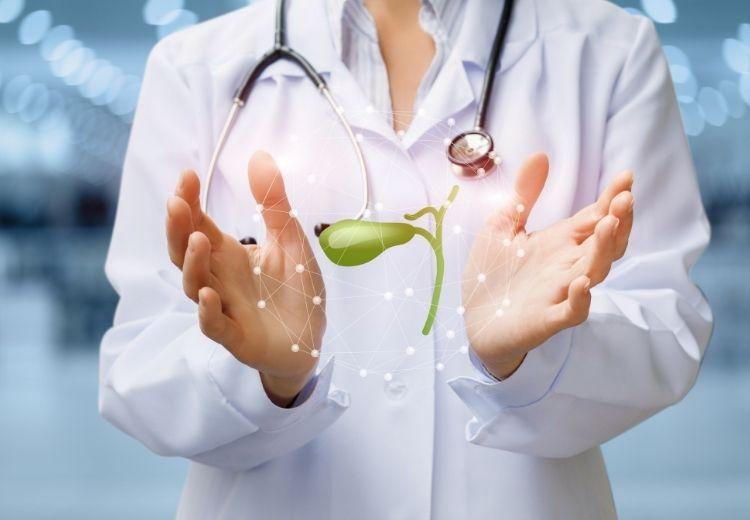 Ochorenie žlčníka je častou príčinou bolesti v pravom podrebrí (pod pravým rebrom)