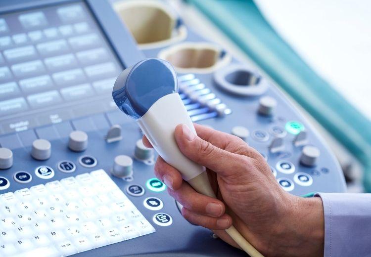 Ultrazvuk má v diagnostike príčin bolesti pod pravým rebrom nezastupiteľné miesto