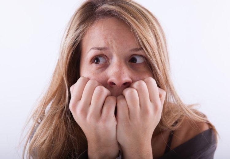 Častou příčinou solárního syndromu je úzkost a stres