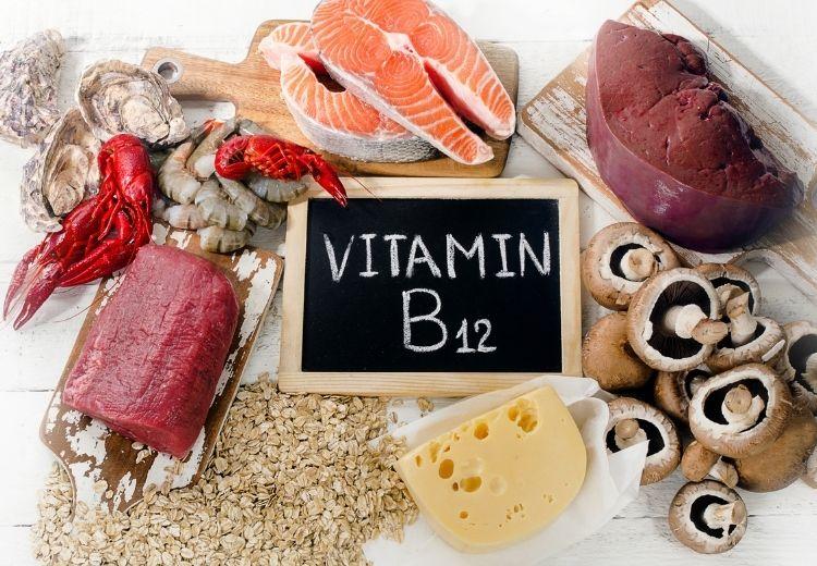 Syndrom bakteriálního přerůstání v tenkém střevě často způsobuje nedostatek živin, vitamínů a minerálů, například i vitamínu B12