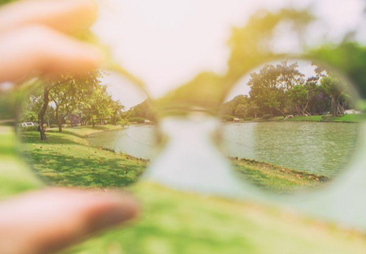 Rozmazané videnie je jedným z prvých príznakov diabetickej retinopatie
