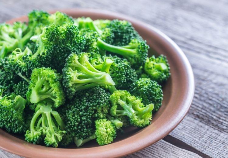 Krížovitá zelenina, ako je napríklad brokolica, môže obsahovať veľa stromogénov