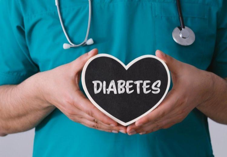 Diabetes je významným rizikovým faktorem cheilitis angularis (bolavého koutku úst)