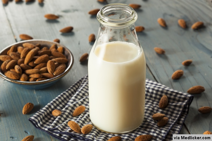 Les amandes et le lait d'amande