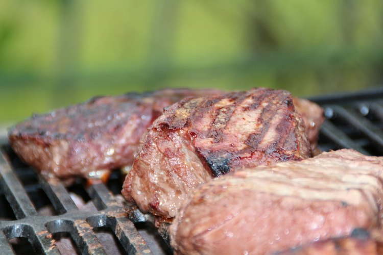 La viande bovine grillée