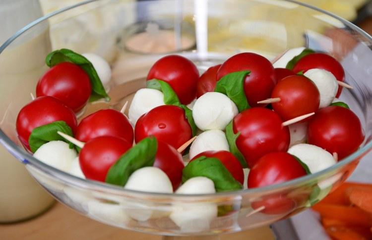 Zdravé jídlo - rajčata a mozzarella