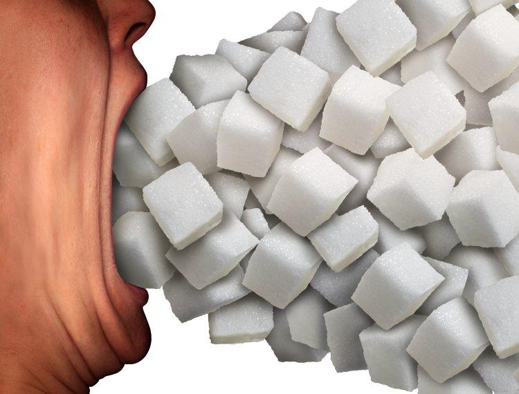 Otevřená ústa a hodně kostek cukru